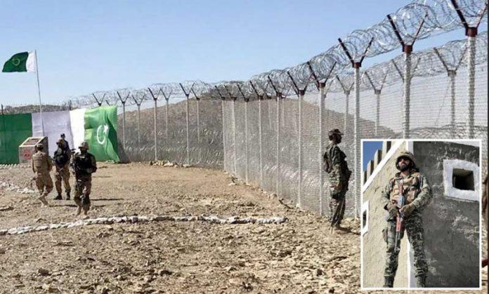 شمالی وزیرستان: پاک افغان سرحد پر باڑ کی تنصیب کے بعد پاک فوج کا جوان الرٹ کھڑا ہے