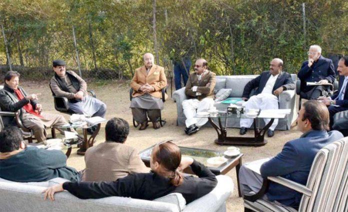 اسلام آباد: وزیراعظم عمران خان سے میانوالی کے ارکان قومی وصوبائی اسمبلی ملاقات کررہے ہیں