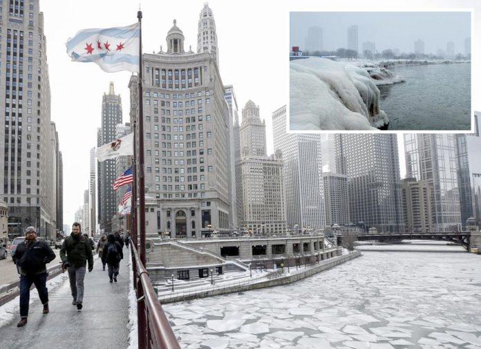 امریکا: سخت سردی کے باعث دریائے شکاگو جم گیا اور مشی گن جھیل کے کنارے پر برف جمی ہوئی ہے