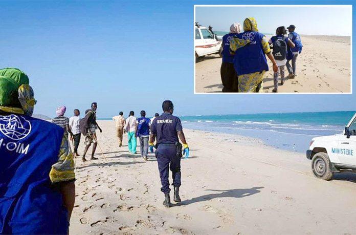 جبوتی: کشتیاں ڈوبنے کے بعد بین الاقوامی ادارہ مہاجرت کے اہل کار ساحل پر لاشیں تلاش کررہے ہیں