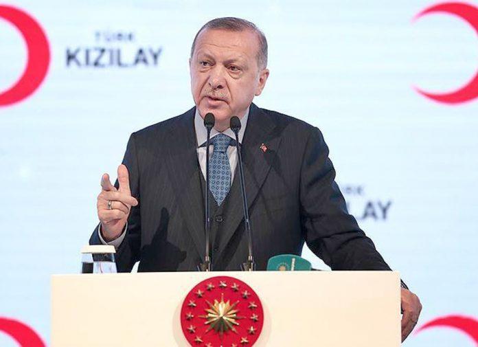استنبول: تُرک صدر رجب طیب اردوان ہلال احمر کی تقریب سے خطاب کررہے ہیں