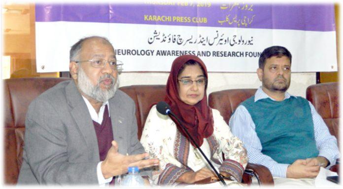 پریس کلب : ڈاکٹر واسع شاکر،ڈاکٹر فوزیہ صدیقی اور ڈاکٹر عبدالمالک پریس کانفرنس کر رہے ہیں