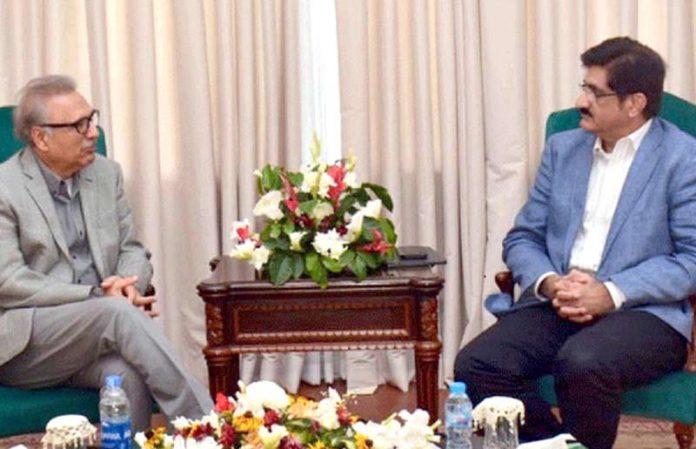 کراچی، وزیر اعلیٰ سندھ مراد علی شاہ صدر مملکت عارف علوی سے ملاقات کررہے ہیں
