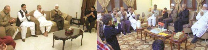 سینیٹر سراج الحق عبدالغفار پدھا اور منصور الرحمن کے صاحبزادے عثمان منصور کے انتقال پر اہل خانہ سے ملاقات و دعائے مغفرفت کررہے ہیں