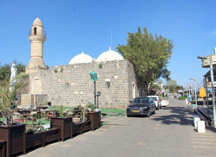 طبریہ کی تاریخی مسجد جسے اسرائیلی حکومت نے میوزیم بنا دیا ہے