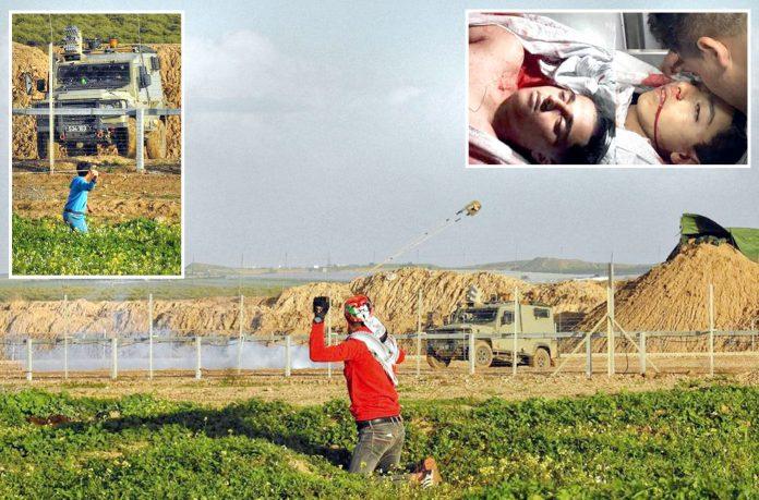 غزہ: سرحد پر ہفتہ واری احتجاج کے دوران فلسطینی شہری اسرائیلی فوج پر سنگ باری کررہا ہے' چھوٹی تصاویر شہید نوجوانوں کی ہیں