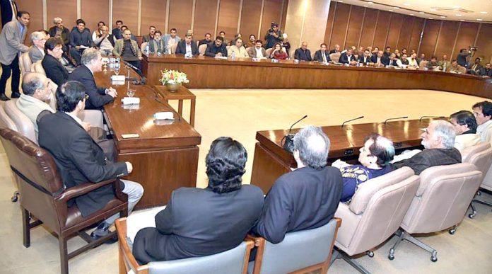 اسلام آباد، وزیر اعظم عمران خان تحریک انصاف کی پارلیمانی پارٹی کے اجلاس کی صدارت کررہے ہیں