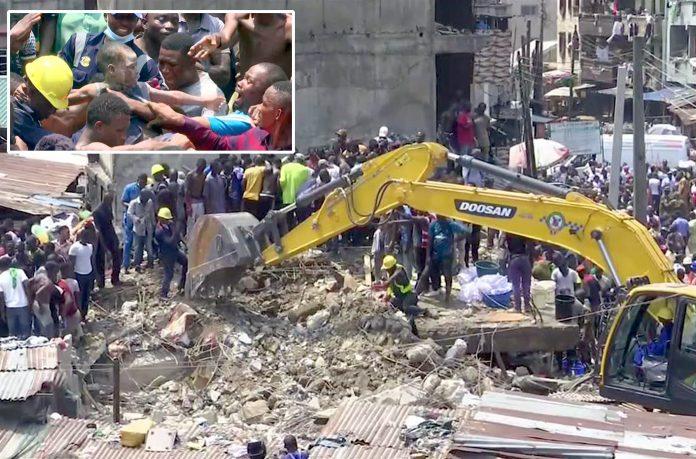 لاگوس: منہدم ہونے والی عمارت کے ملبے میں دبے افراد کو نکالنے کے لیے امدادی کارروائی کی جارہی ہے