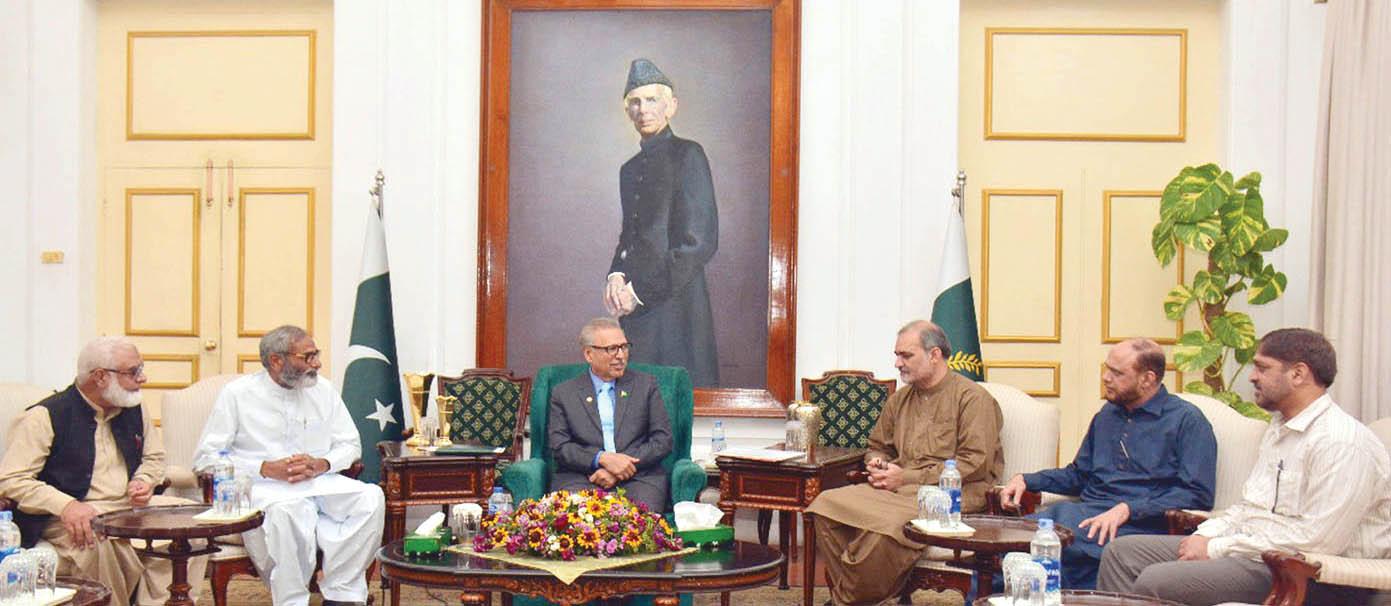 کراچی: صدر مملکت عارف علوی سے حافظ نعیم الرحمن کی قیادت میں جماعت اسلامی کراچی کا وفد ملاقات کررہا ہے