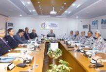 کراچی:نیول چیف ایڈمرل ظفر محمود عباسی بحریہ فاؤنڈیشن کمیٹی کے اجلا س کی صدارت کررہے ہیں