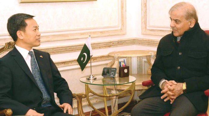 لاہور: چین کے قونصل جنرل قائد حزب اختلاف شہباز شریف سے ملاقات کررہے ہیں