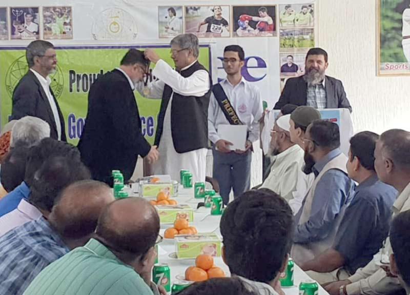 حیدرآباد:باسکٹ بال کلبس کی اسکروٹنی کے موقع پر محمدیعقوب کا کھلاڑیوں کے ساتھ گروپ فوٹو