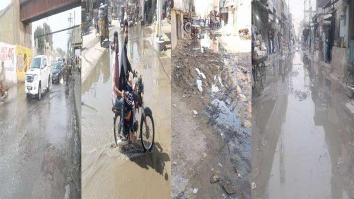 بلدیہ کوٹری کی نااہلی کے باعث مرکزی شاہراہ اور گلیاں گٹروں کے پانی سے بھری ہوئی ہیں ،علاقہ مکینوں کو شدید پریشانی کا سامنا ہے