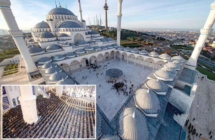 استنبول: جمہوریہ ترکی کی تاریخ میں تعمیر کردہ سب سے بڑی مسجد جامع چاملیجاکا جمعرات کے روز نماز فجر سے افتتاح کردیا گیا