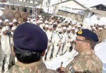 سیاچن:کور کمانڈر راولپنڈی لیفٹیننٹ جنرل بلال اکبر اگلے مورچوں کا دورہ کررہے ہیں
