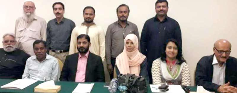 پاکستان ورکرز فیڈریشن کے تحت میڈیا ورکشاپ میں شرکاء کا گروپ فوٹو