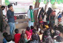 امتیاز نقوی فاؤنڈیشن کے چیئرمین امتیاز نقوی اسٹریٹ چلڈرن اسکول میں یوم پاکستان کی تقریب سے خطاب کر رہے ہیں