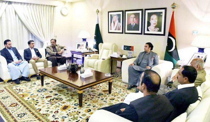 لاہور: پیپلزپارٹی کے چیئرمین بلاول زرداری پی پی پنجاب کی پارلیمانی پارٹی کے اجلاس کی صدارت کررہے ہیں
