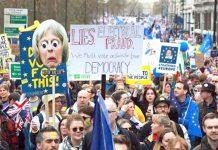 لندن: لاکھوں کی تعداد میں برطانوی شہری یورپی یونین سے انخلا پر دوبارہ ریفرنڈم کرانے کے لیے احتجاج کررہے ہیں