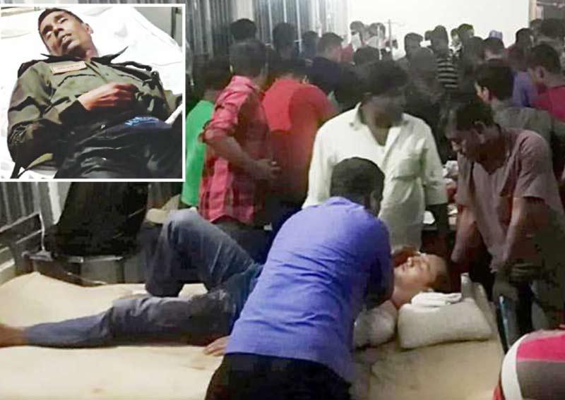 چٹاگانگ: حملے میں زخمی ہونے والے الیکشن کمیشن اور پولیس کے اہل کاروں کو طبی امداد فراہم کی جارہی ہے
