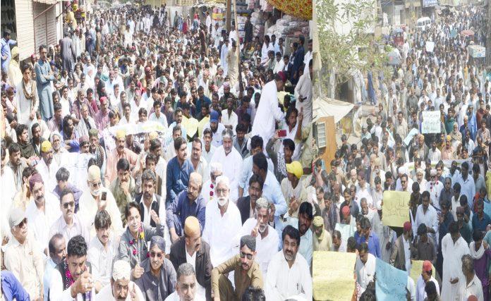 بدین ،کاشتکار پانی کی عدم فراہمی کے خلاف سراپا احتجاج ہیں