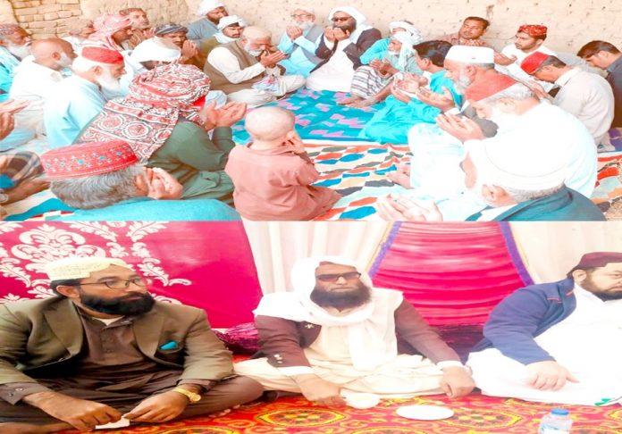 امیرجماعت اسلامی سکھر مولانا حزب اللہ جکھرو سکندر علی جکھرو کے انتقال پر ان کے بیٹوں سے اظہار تعزیت کررہے ہیں