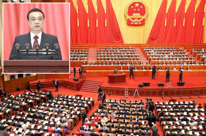 بیجنگ: چین کے وزیر اعظم لی کی چیانگ سالانہ پیپلز کانگریس سے خطاب میں دفاعی بجٹ میں اضافے کا اعلان کررہے ہیں