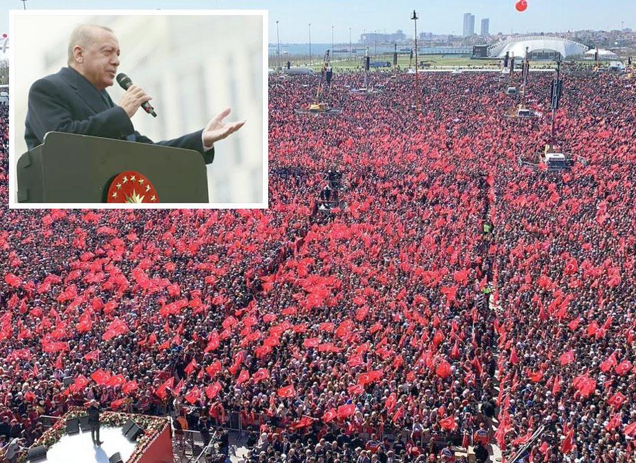 استنبول: تُرک صدر رجب طیب اردوان بلدیاتی انتخابات کی مہم میں جلسے سے خطاب کررہے ہیں
