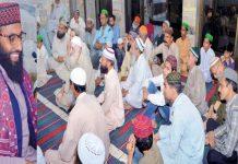 علامہ محمد صفدر مہروی نگینہ جامع مسجد میں شب برأت کی فضیلت پر خطاب کررہے ہیں