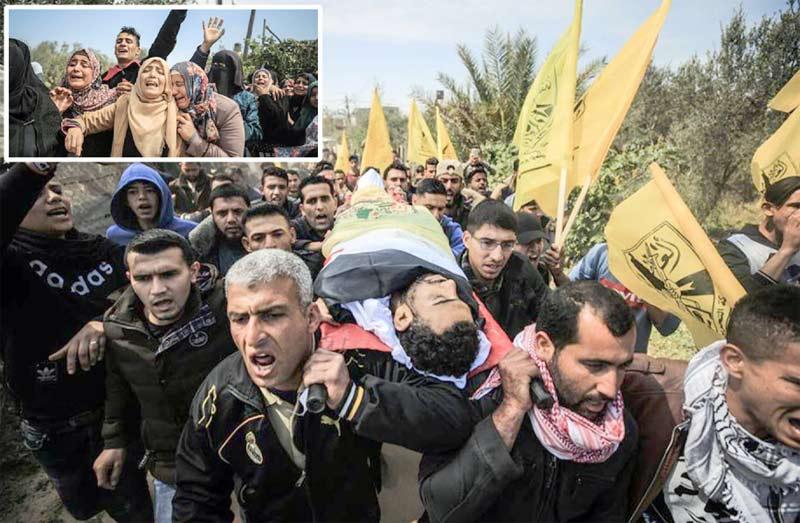 غزہ: اسرائیلی فوج کی فائرنگ سے زخمی ہونے کے بعد دم توڑجانے والے فلسطینی کو تدفین کے لیے لے جایا جارہا ہے' اہل خانہ غم سے نڈھال ہیں