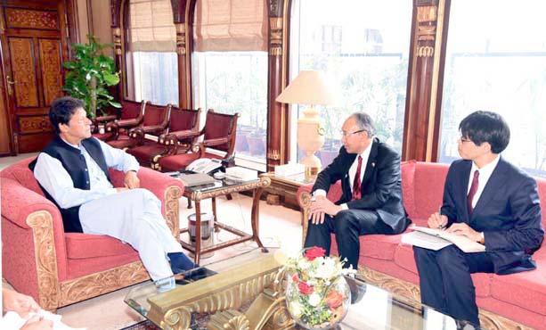 اسلام آباد: وزیراعظم عمران خان سے جاپان کے سفیر کونینوری متسودا ملاقات کررہے ہیں