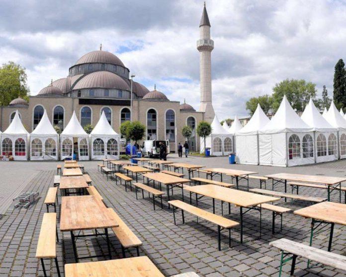 جرمنی: ڈوئزبرگ کی مرکزی مسجد کے احاطے میں رمضان المبارک کی مناسبت سے خصوصی انتظامات کیے گئے ہیں