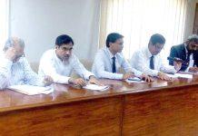 راولپنڈی اسلام آباد ٹیکس بار ایسوسی ایشن (رِٹبا)کے زیراہتمام سیمینار سے مقررین خطاب کررہے ہیں