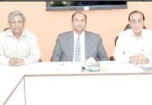ایف پی سی سی آئی کی اسٹینڈنگ کمیٹی برائے انوائرمنٹ کا اجلاس چیئرمین کمیٹی گلزارفیروز کی صدارت میں ہورہا ہے،مسلم محمدی اور دیگر ممبران بھی موجود ہیں