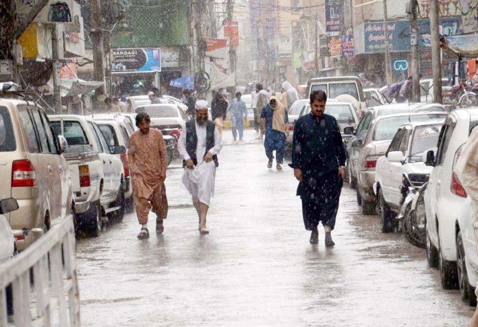کوئٹہ ،بارش کے باعث شہریوں کو آمدورفت میں مشکلات پیش آرہی ہیں