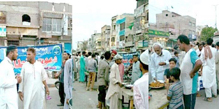 کورنگی وسطی: جماعت اسلامی اور الخدمت کے افطار پوائنٹس میں روزے دار افطار کررہے ہیں