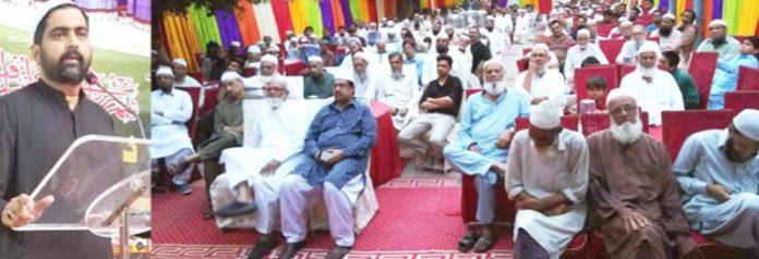 رکن سندھ اسمبلی سید عبدالرشید جماعت اسلامی علاقہ فاطمہ جناح کالونی یوسی 14 کے تحت دعوت افطار سے خطاب کر رہے ہیں