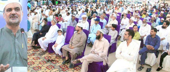 امیر جماعت اسلامی کر اچی حافظ نعیم الرحمن رفاہ عام سوسائٹی جوہر پارک میں دعوت افطار سے خطاب کررہے ہیں