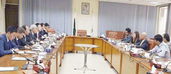 اسلام آباد: چیئرمین بورڈآف انویسٹمنٹ ہارون شریف اور چائنا روڈ برج کارپوریشن کے درمیان وفود کی سطح پر مذاکرات ہورہے ہیں
