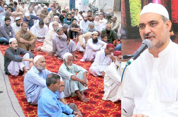 امیر جماعت اسلامی کراچی حافظ نعیم الرحمن نارتھ ناظم آبادمیںدعوت افطا ر سے خطاب کررہے ہیں