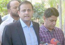 کراچی: سندھ اسمبلی میں صوبائی مشیر اطلاعات بیرسٹر مرتضیٰ وہاب صحافیوں سے گفتگو کررہے ہیں