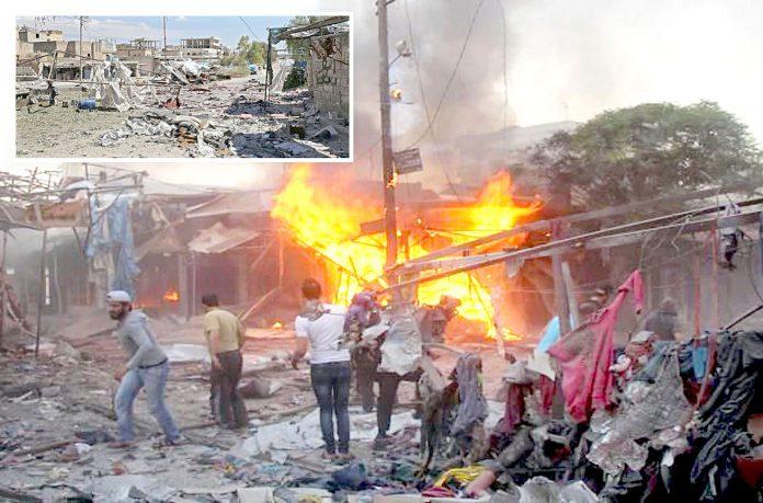 ادلب: روسی اور اسدی افواج کی بم باری کے نتیجے میں ہر طرف تباہی پھیلی ہوئی ہے