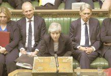 لندن: برطانوی وزیراعظم تھریسا مے پارلیمان کے اجلاس میں سوالات کا جواب دے رہی ہیں