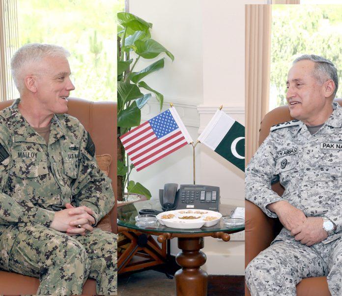 اسلام آباد: نیول چیف ایڈمرل ظفر محمود عباسی سے امریکی نیوسینٹ وائس ایڈمرل جیمز جے موئلے ملاقات کررہے ہیں