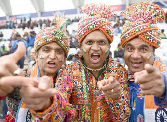 ٹرینٹ برج: بھارتی شائقین میچ منسوخ ہونے کے بعد تفریح میں مصروف ہیں