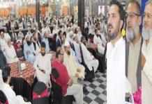 امیرجماعت اسلامی ضلع راولپنڈی راجا محمد جواد شمس الرحمن سواتی اور امجد شاہ و دیگر عید ملن پارٹی سے خطاب کررہے ہیں