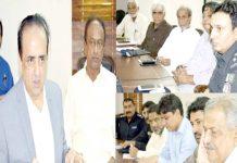 ڈپٹی کمشنر بدین ڈاکٹر حفیظ احمد سیال پانی کی قلت کے متعلق اجلاس کی صدارت کررہے ہیں