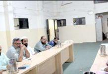 عبدالجمیل خان عوامی مارچ کی تیاریوں کے سلسلے میں اجلاس سے خطاب کر رہے ہیں