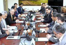 اسلام آباد: وزیراعظم کے مشیر برائے صنعت وٹیکسٹائل انڈسٹری عبدالرزاق داؤد سے ایرانی پارلیمنٹ کا وفد ملاقات کررہا ہے