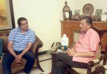 اسلام آباد: پی ایچ ایف کے سیکرٹری آصف باجوہ صدر بریگیڈیئر سے گفتگو کرتے ہوئے